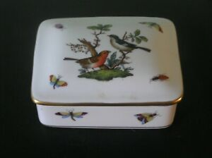 """A PRETTY HEREND (HUNGARY) BIRDS & INSECTS TRINKET BOX: 4"""" LONG: VG CONDITION"""
