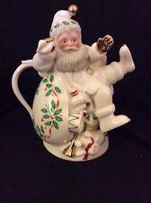 "Lenox ""Holiday Santa Collection"" Teapot Christmas Ivory Porcelain S0857 10"""