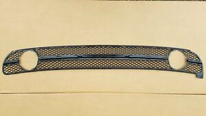 fits 2001-2005 VW BEETLE Front Bumper Lower Mesh Grille with Fog Light NEW