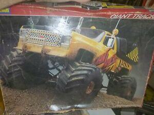 """Revell """"Giant Tracks"""" 1978 Chevy Stepside Monster Truck 1/16 MODEL KIT McM AS IS"""