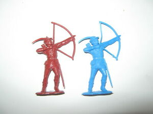 Marx recasts 2 firing arrow pose figures in 2 colors made 1980's exc / cond