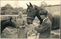 Ansichtskarte  Pferde auf Bauernhof - Privatfotokarte 1930