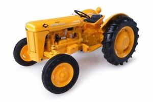 UNIVERSAL HOBBIES 1/32 SCALE MASSEY HARRIS FERGUSON 202 WORK BULL TRACTOR | 4990