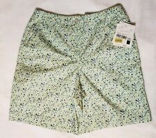 Liz Claiborne Golf Shorts Floral size 6 White Blue Green Casual Modest Athletic