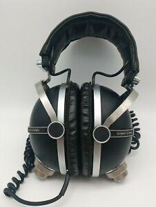 SE-505 Pioneer Headphones, Vintage.