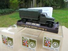 Camions miniatures verts GMC