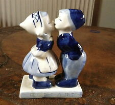 Vintage Delftware kissing couple