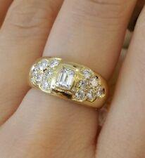 Diamante Anillo con Emerald Cortes y ROUNDS en 18ct Oro Amarillo - hm1189