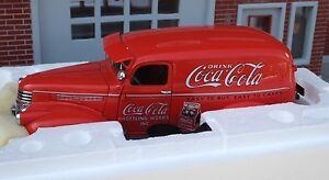 Danbury Mint 1941 Coca Cola Delivery Truck 1/24 w 6 Pc Custom Accessory Grouping