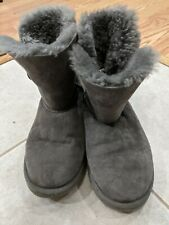 UGG's  - 5991Y Bailey Button Girl's Grey Boots Size 5 US/35 EUR