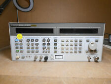 HP 8643A SYNTHESIZED SIGNAL GENERATOR 0.26-2060MHz OPT: 001/002