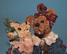 """Boyds Bears #227705 """"Louella & Hedda.the Secret """" figurine Nib 1997, friends"""