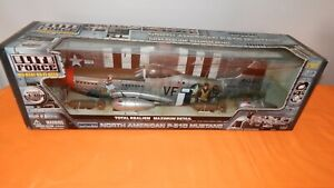 """Elite Force WWII North American P-51D Mustang """"Donald Duck"""" 1:18 Scale - NIB"""