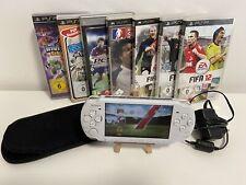 Sony PSP 3004 Slim & Lite Weiß Spielkonsole Bundle/inkl 7 Spiele und 1 Tasche