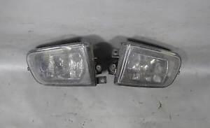 BMW E39 5-Series Z3 Early Factory Front Fog Light Pair w Broken Tab 1998-2002 OE