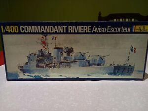 Rare Heller 1/400 Commandant Riviere French frigate