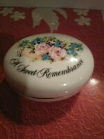 Avon A Sweet Remembrance Gold Decorated Porcelain Box