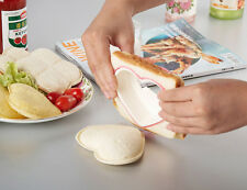 New Heart-Shaped Sandwich Cutter Love Heart Shape Mold Cutter Maker Kitchen Tool