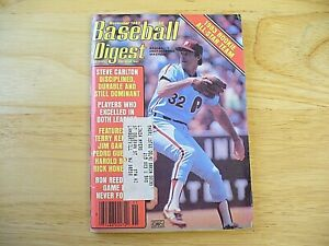 Baseball Digest Magazine - November 1983 (Steve Carlton) - VINTAGE