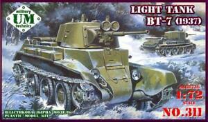 UM-MT Models 1/72 Soviet BT-7 LIGHT TANK  MODEL 1937