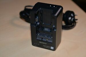 Sony BC-QM1 Charger ***GREAT*** in Excellent Condition