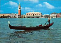 B73456 Panorama con gondola Venezia Italy