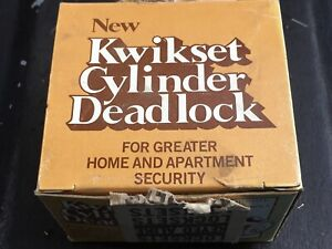 """KWIKSET NO 665 DOUBLE CYLINDER 1"""" DEADLOCK, ANTIQUE BRASS. MADE IN USA."""