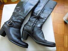 Markenlose kniehohe Stiefel aus Echtleder mit Reißverschluss