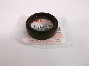 Genuine Suzuki JIMNY Gearbox Gear Box REAR Case Oil Seal 24780-83010