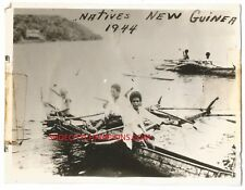 WWII 1944 NEW GUINEA NATIVES FISHING & SMOKING SNAP SHOT-FREE US SHIP-REAL PHOTO