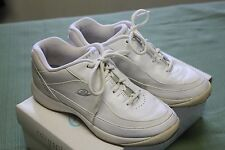 EASY SPIRIT WHITE LEATHER ANTI GRAVITY WALKING SHOE WOMEN'S SZ 6M