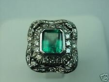 Estate Ring 18 K White Gold with Emerald and Diamonds