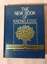 The New Book of Knowledge Annual 1984 (Hardcover)