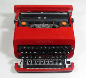 Olivetti Valentine Manual Typewriter. Ettore Sottsass. Barcelona. Made in Spain