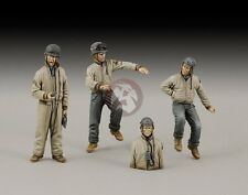 Royal Model 1/35 M10 Tank Destroyer US Crew WWII (3 Figures + 1 Half-figure) 666