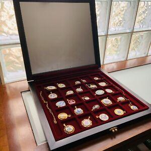 (25) The Worlds Greatest Porcelain Houses Pendant Set in original Box