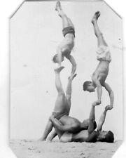 ORIGINAL VINTAGE PHOTO Acrobat Bodybuilder Beach Men Male Shirtless Physique 40s