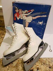 VTG White Ice Skates Women's 10 Lake Placid Flyer Aerflyte Figure Blades 690