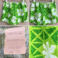 Vintage Hawaiian Shorts Green White Polynesian Floral Print Size 12 Mod Small