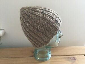 A man's hand knitted pure British wool beanie hat in light brown, M, new.