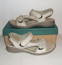 CLARKS Women's Bone Leather Slingback Casual Strappy Sandals Shoes Size 9 M
