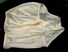 VANITY FAIR PERFECTLY YOURS LACE YELLOW 13001/13801 NYLON BRIEFS PANTIES~11/4XL~