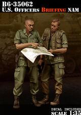 BRAVO-6 35062 U.S. Officers Briefing Nam 1/35 RESIN FIG.