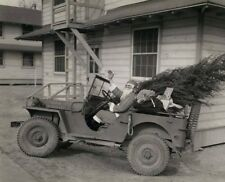 WW2 WWII Photo World War Two US Army Santa Claus in Jeep with Tree   / 3153