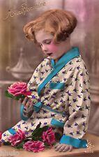 BL080 Carte Photo vintage card RPPC Enfant fantaisie pyjama kimono fleurs