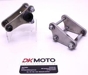 00-20 SUZUKI DRZ400S OEM ENGINE MOTOR MOUNT STAY BRACKETS R9.BX3
