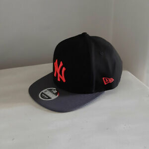 New York Yankees MLB Black Neon Logo 9FIFTY Cap - size small/medium