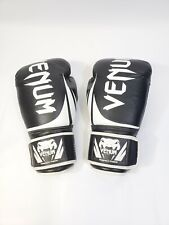 Venum 16 oz Muay Thai Boxing Gloves Like New