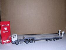 """Herpa #864007 Man F-90 Cab w/4-Axle Flat Bed Trailor """"Gray & White"""" H.O.Gauge"""