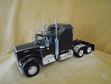 1/25 REVELL HISTORIC SERIES MODEL KIT BUILT  KENWORTH CONVENTIONAL TRACTOR